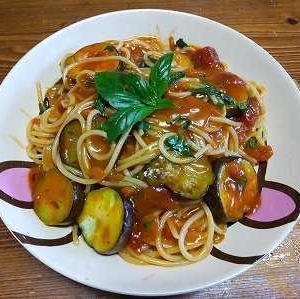 茄子入りナポリタンスパゲッティ
