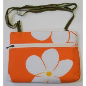 9785回 横型ショルダ-バック・ビッグプルメリア(オレンジ) 紐(茶と緑)