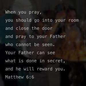 心静かに神に向き合う