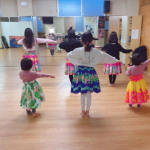 横浜・白楽 小学生フラダンス!