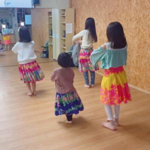 横浜 白楽 小学生フラダンス教室!体験レッスン!