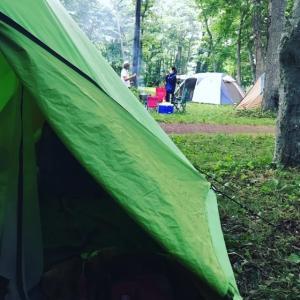 本日の宿完成🤣去年と同じ日に同じキャンプ場で♬