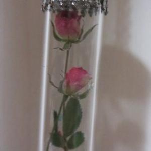 ちっちゃな薔薇のペンダント