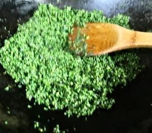 青紫蘇の佃煮と栗ご飯を食べる