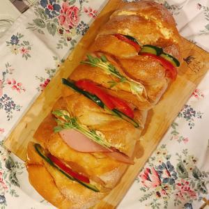 どぶろく酵母パンでサンドイッチ