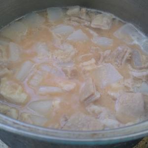 豚腸の煮込み仕込み