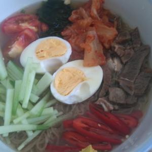 韓国冷麺でランチ