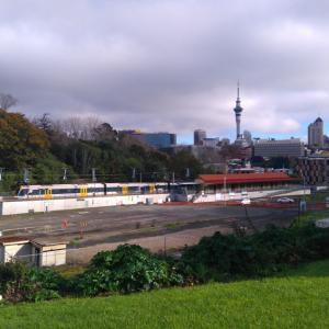 晴れて来たのでParnell Auckland NZの裏道に歩く