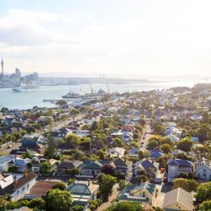 Auckland、2020年7月21日8時の天気は