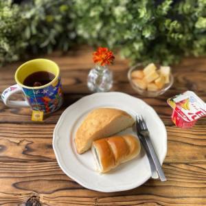 プリンスメロンパンと黒ゴマ1000つぶパン@ずんちゃんパン