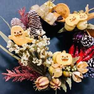 フェイククッキーとハロウィン風リース