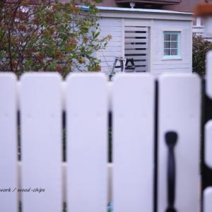 バラの庭づくり、既存の鉄製フェンスを木製に。杉並区のガーデンより