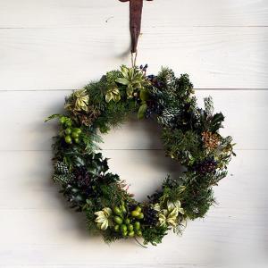 クリスマスの寄せ植えとリース