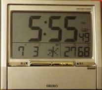梅雨時のある寝室のエアコン