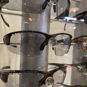 調光レンズのサングラス 再再入荷~♪♪