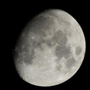 2020年11月26日 20:48の月、そして月と火星
