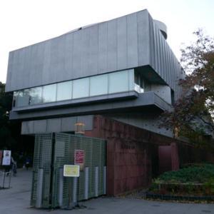 東京藝術大学美術館で「籔内佐斗司退任記念展 私が伝えたかったこと」 (11月19~29日)、「豊福誠 退任記念展「色絵磁器」」(11月23日~12月6日)を楽しむ
