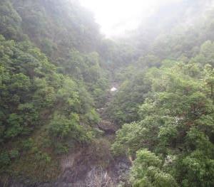 台湾6 3日目1 平衡感覚も鈍る・・・圧巻の太魯閣峡谷 燕子口