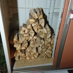 土曜日はキャンプ用薪をたくさん買って頂きました。