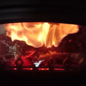 薪ストーブは薪を燃やす物では無い!薪ストーブはガスストーブだ