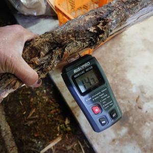 自家用薪の含水率を測って見た