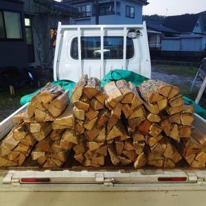 薪の無人販売は濃厚接触無しの販売方法です。