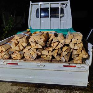 木曜日はキャンプ用の薪の在庫管理