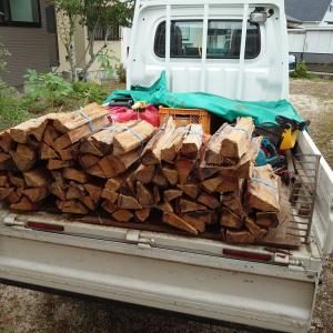 土曜日は午前中キャンプ用薪の無人販売の薪を束ねて、午後から浄化槽