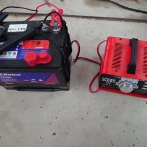 ボートのバッテリーを持ち帰って充電しておいた。