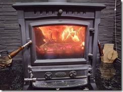 薪ストーブと暖炉は違います。