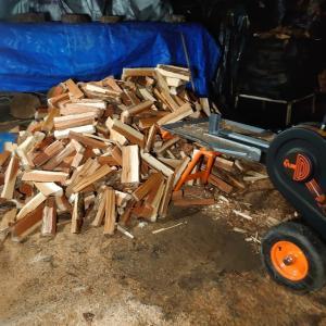 薪は乾かさなければ使えない。
