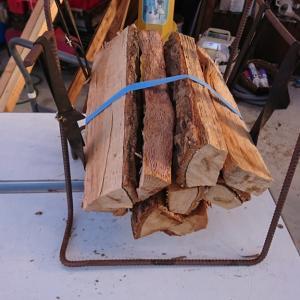 薪を割り直すときに適した斧のサイズは?