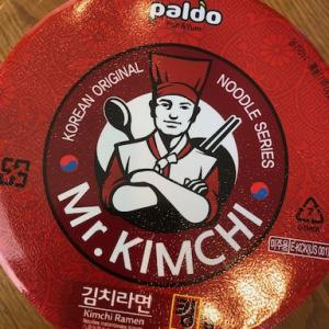 Mr. KIMUCHI。韓国系スーパーでキムチカップラーメン。辛い…だけかも。。