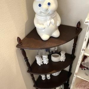 我が家のドゥボーイタワー!無限増殖中の Pillsbury Doughboy。