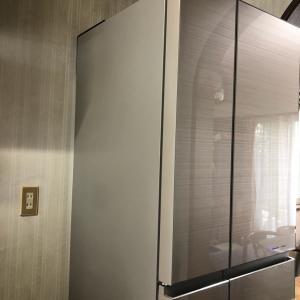 冷蔵庫届きました。