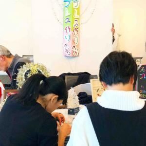 山梨がんチャリティで生まれた天然石ブレスレット全作品と制作風景です