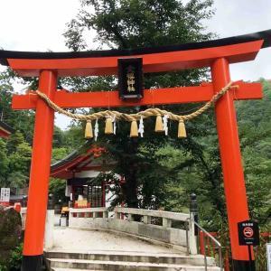金櫻神社にコロナ禍の終息を願い、静かに参拝