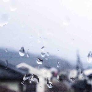 雨が降ったり夕日が綺麗だったり