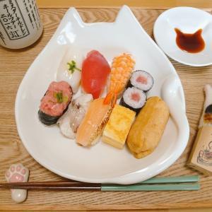 お寿司にも(๑º ロ º๑)オォー