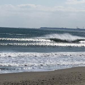 月曜日の波