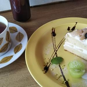 桃のショートケーキ@cafe Lacachette