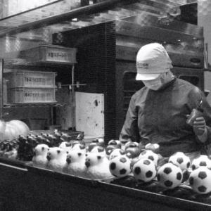 サッカーボール工場