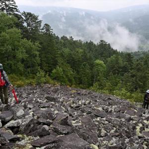 置戸山地中山「春日風穴」 ~ 北海道最東端のナキウサギ生息地
