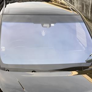 広島 自動車フロントガラス交換☆ヴォクシー☆熱反射フロントガラス コートテクト・エーミング