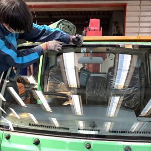 広島 自動車フロントガラス交換☆エルフ・キャンター☆UVカットソーラーガラス