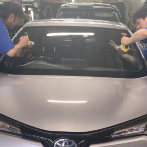 広島 自動車フロントガラス交換☆C-HR☆純正フロントガラス交換・エーミング