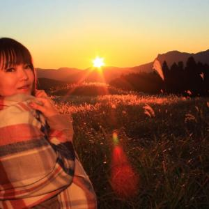 〔LaLaSweet〕柚南みゆき 曽爾高原 夕陽に燃ゆるススキ