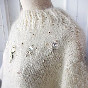 フワフワモヘアのビーズ刺繍セーター