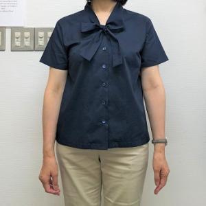 生徒作品NO.1375☆1年生コース 2アイテムめはベーシックなボータイブラウス