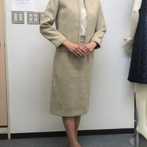 生徒作品NO.1389☆2年生コース ノーカラージャケットにタイトスカートを合わせてスーツに
